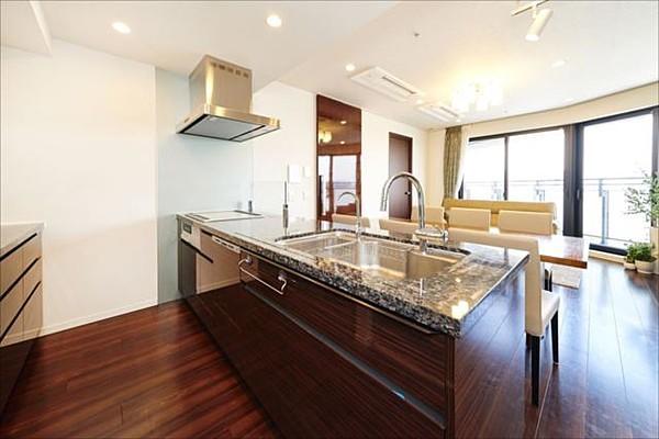 グランドメゾン白金の杜ザタワーのキッチン