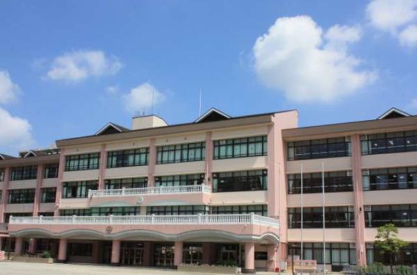 光が丘夏の雲小学校ホームページ